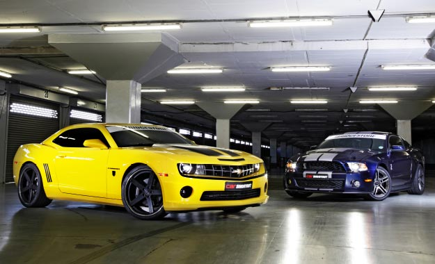 Shootout 2012: Mustang vs Camaro