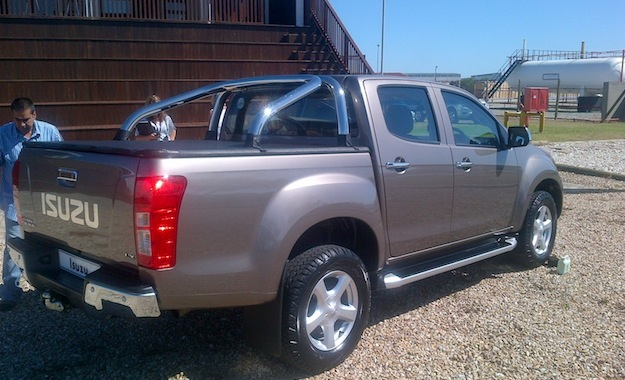 Isuzu New Model http://www.carmag.co.za/news/new-isuzu-kb-images-of-local-specification-model/
