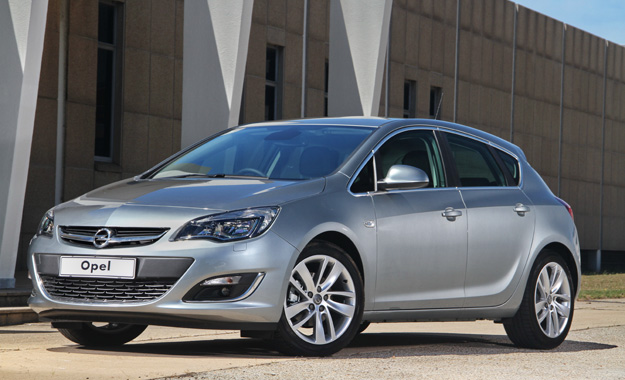 opel astra line up and pricing updated for 2013 car magazine. Black Bedroom Furniture Sets. Home Design Ideas