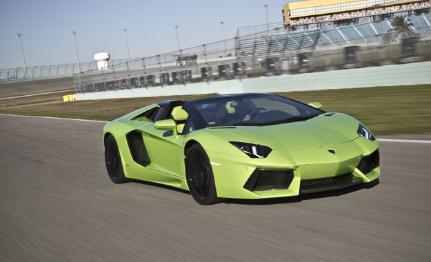 CAR editor Hannes Oosthuizen drives the Lamborghini Aventador Roadster