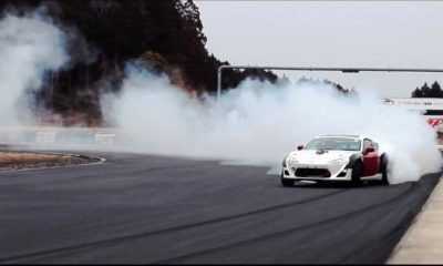 Nascar-powered 86 - it only goes sideways [Video]