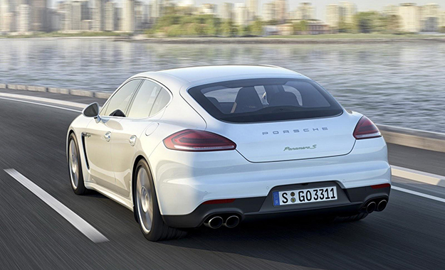 Images of refreshed Porsche Panamera have been leaked ahead of Shanghai debut