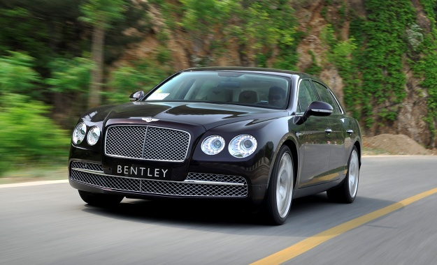 Bentley Flying Spur driving impression