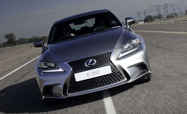 Lexus IS 350 F Sport front photo