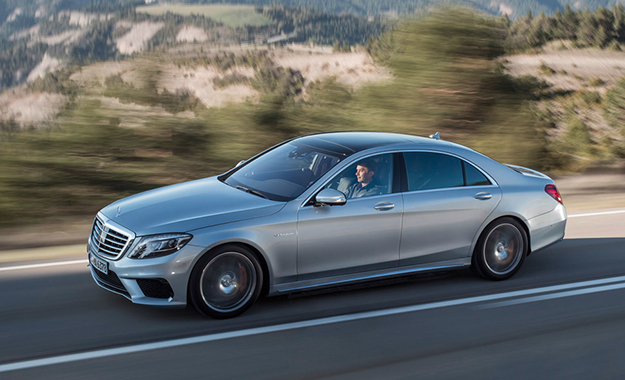 Mercedes-Benz S63 AMG driving photo