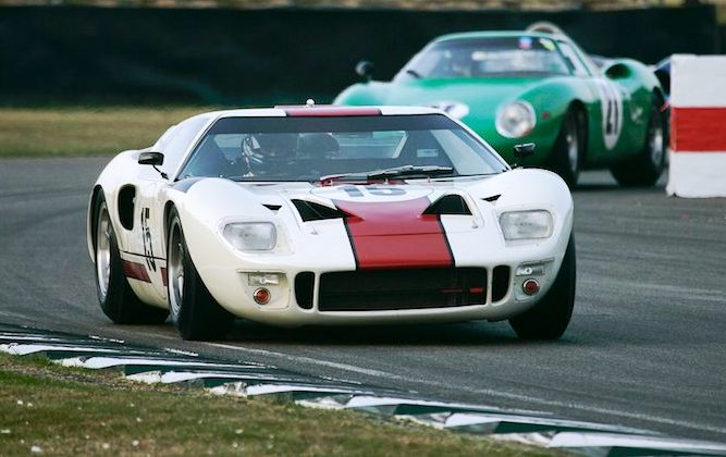 Kenny Brack wrestles a GT40 at Goodwood [video]