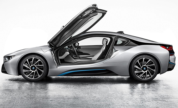 The design of the production-spec BMW i8 doesn't diverge radically from that of the concept