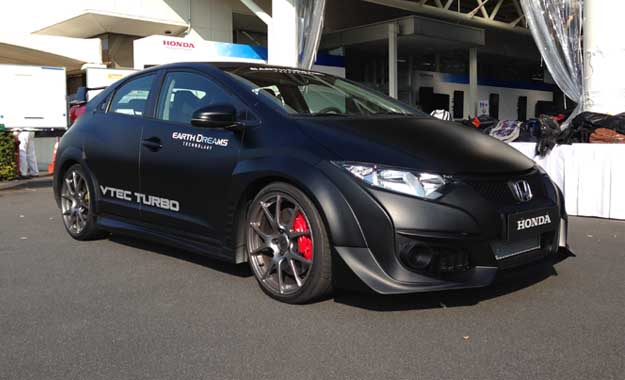 We got behind the wheel of the eagerly awaited honda Civic Type-R