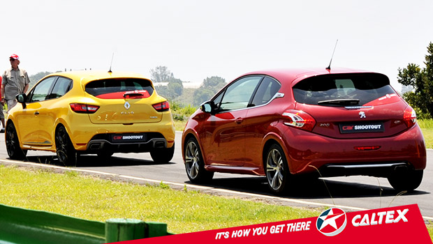 Drag Race: Peugeot 208 GTi vs Renaut Clio RS