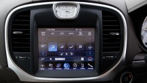 Chrysler 300C infotainment