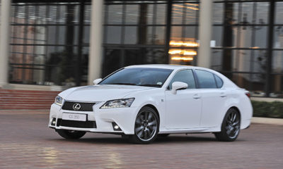 Lexus GS front three-quarter image