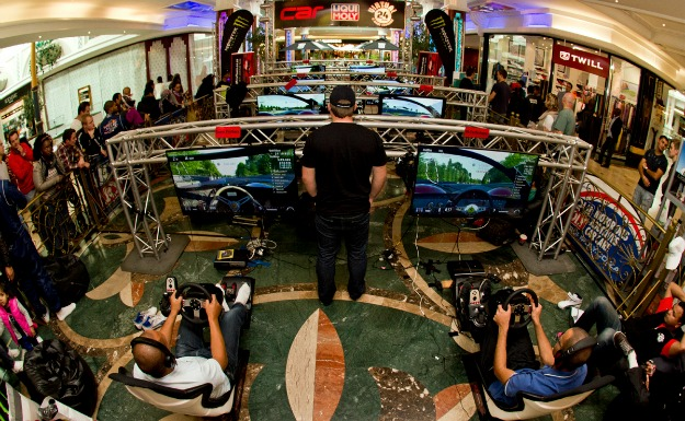 Come support your favourite team at this year's CAR Liqui Moly 24-hour Virtual Le Mans Challenge at Canal Walk shopping centre in Cape Town, 14/15 June.