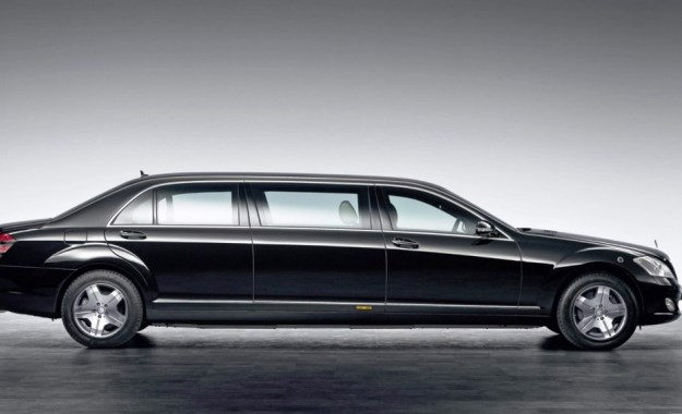Mercedes-Benz Pullman profile
