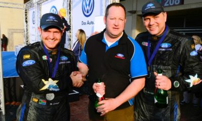 Mark Cronje (left) and Robin Houghton (right) with Stuart Thompson from Thompson Racing