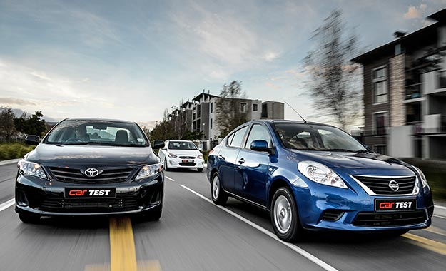 Hyundai Accent Sedan 1,6 Fluid vs. Nissan Almera 1,5 Acenta vs. Toyota Corolla Quest 1,6 Plus