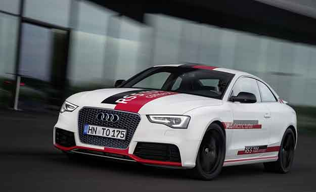 Audi RS5 TDI concept front three-quarter image