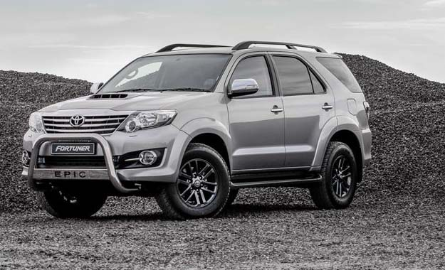 Toyota Fortuner Epic front