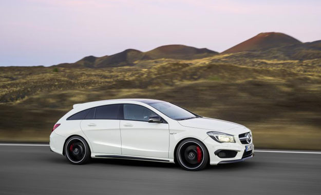 Mercedes-AMG CLA45 AMG Shooting Brake side