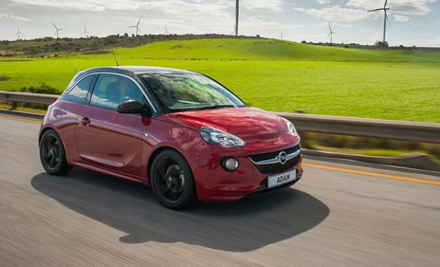 Opel Adam front three-quarter.