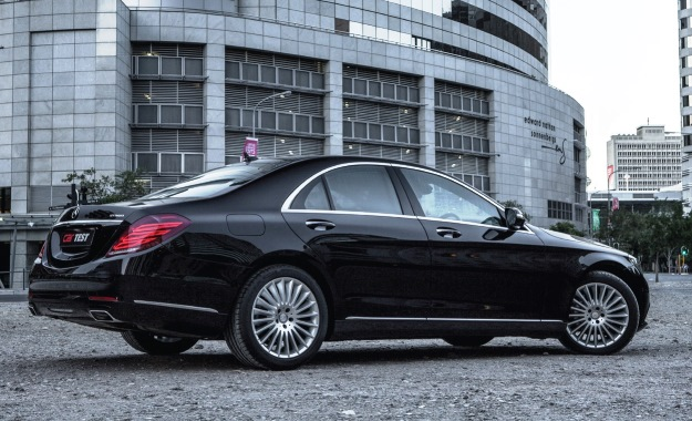 ... Mercedes Benz S400 Hybrid. The S400 Has An Understated And Elegant  Exterior, But Its Bulk Is Hidden By The ...