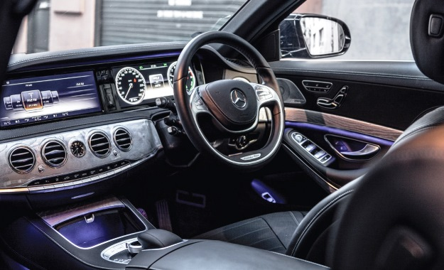 [Hình: Merc-S400-The-cabin-is-the-class-of-the-...xtreme.jpg]