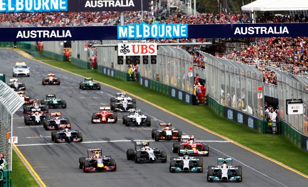 Formula One Flag falls in Aus