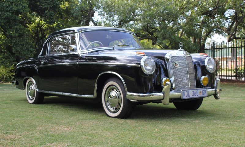 Mercedes Benz 220S Coupé front