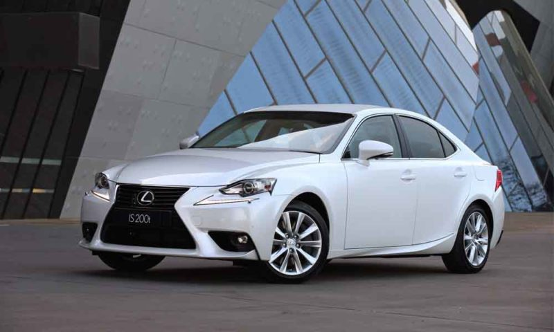 Lexus IS200t front