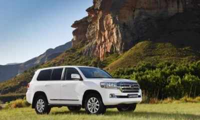 DRIVEN: Toyota Land Cruiser 200 front