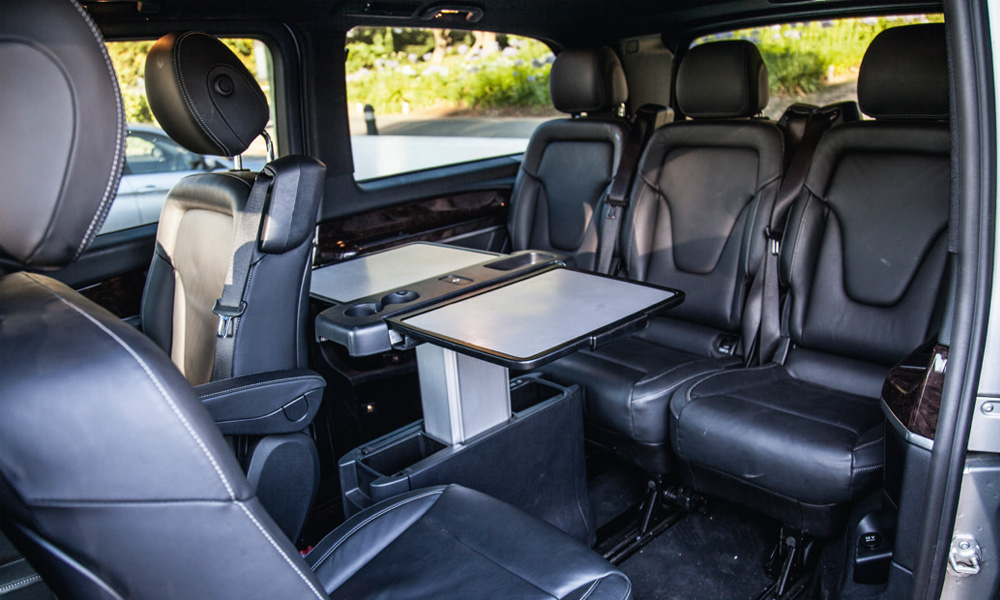 comparative test kia sedona 2 2 crdi sxl 7 seat vs mercedes benz v220 bluetec avantgarde vs. Black Bedroom Furniture Sets. Home Design Ideas