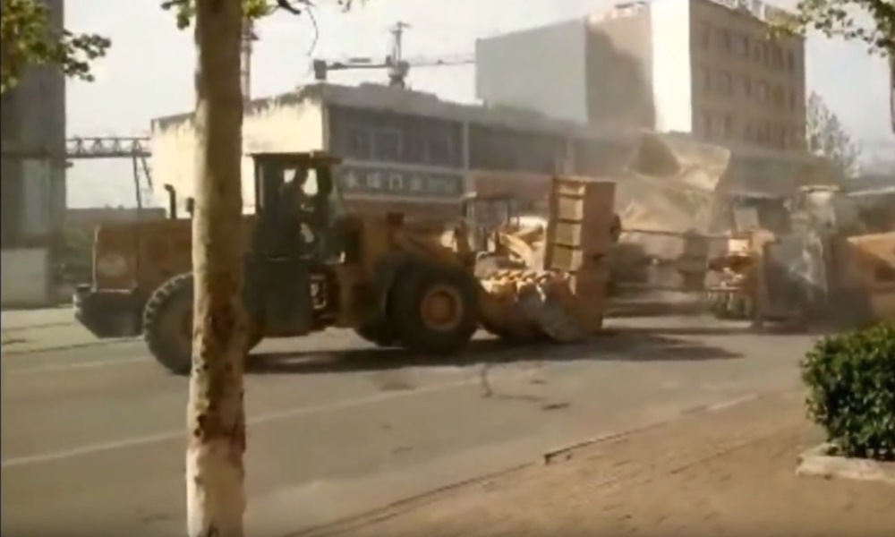 Battle of the Bulldozers takes place in China