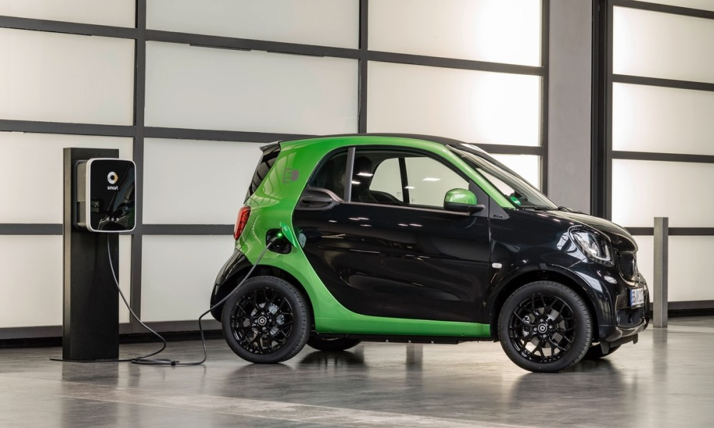 Smart Electric Drive ForTwo goes the EV route.