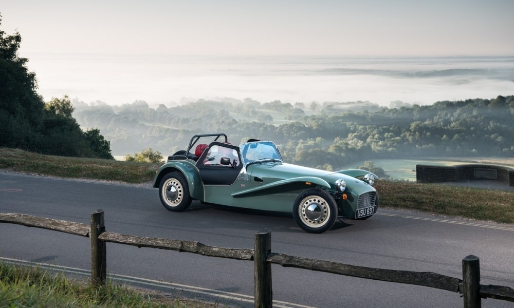 Retro Caterham Seven Sprint revealed