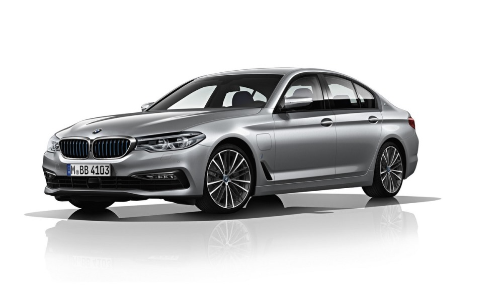 BMW 530e revealed with 2,0 L/100 km economy