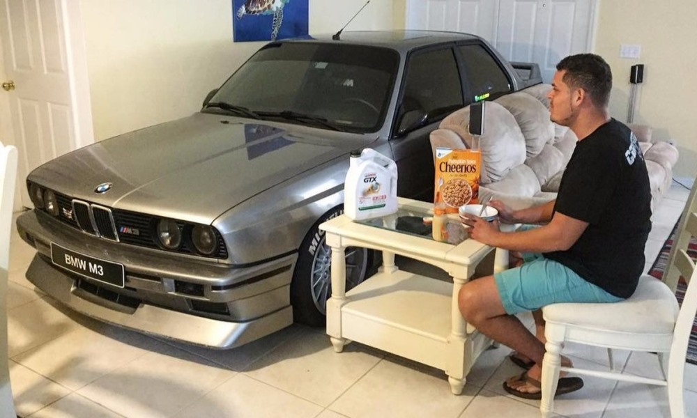 Man keeps M3 in living room during Hurricane Matthew
