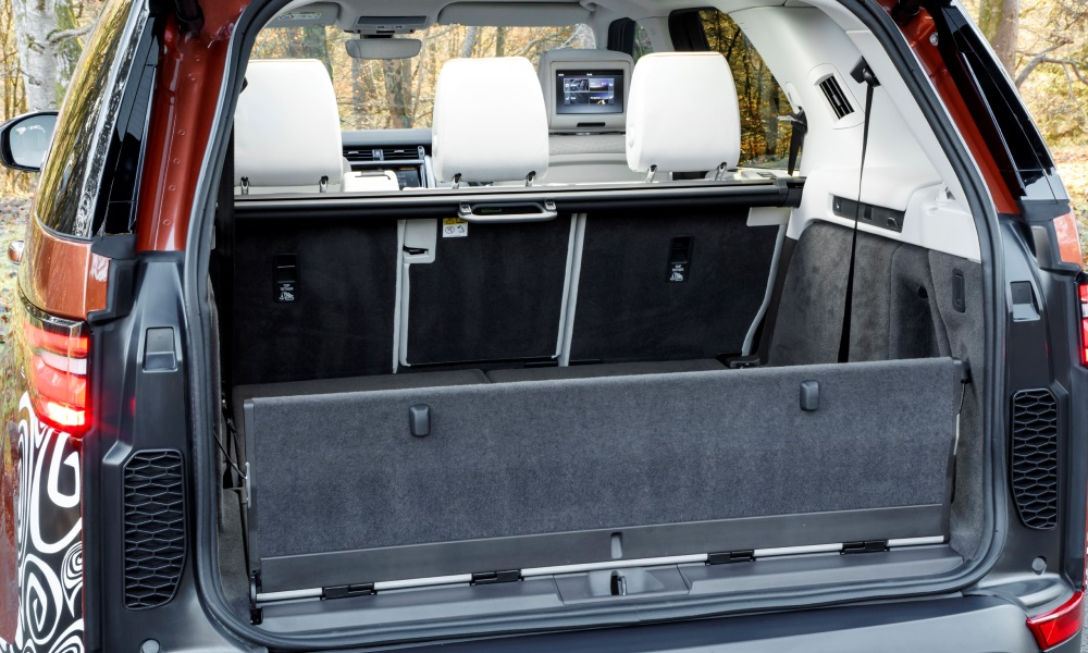 Rear boot panel can fold flat to serve as a picnic area.