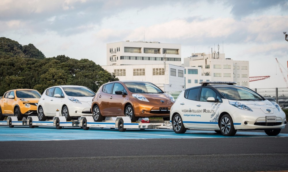 Nissan shows off autonomous towing Leaf