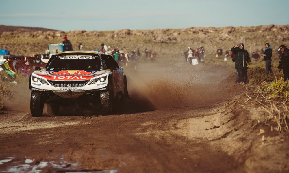 Dakar: Peugeot ends with a strong finish