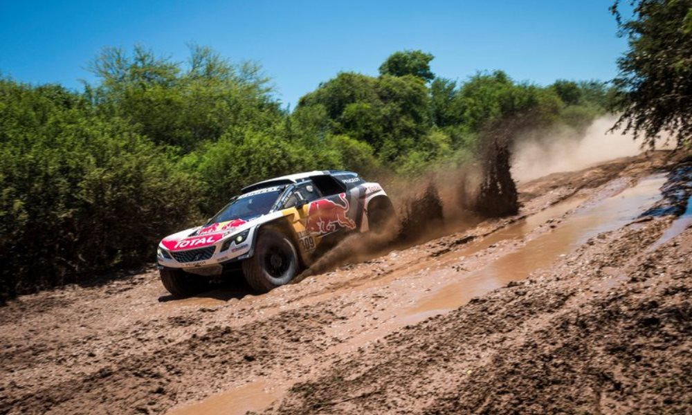 Loeb takes the lead at Dakar stage 2