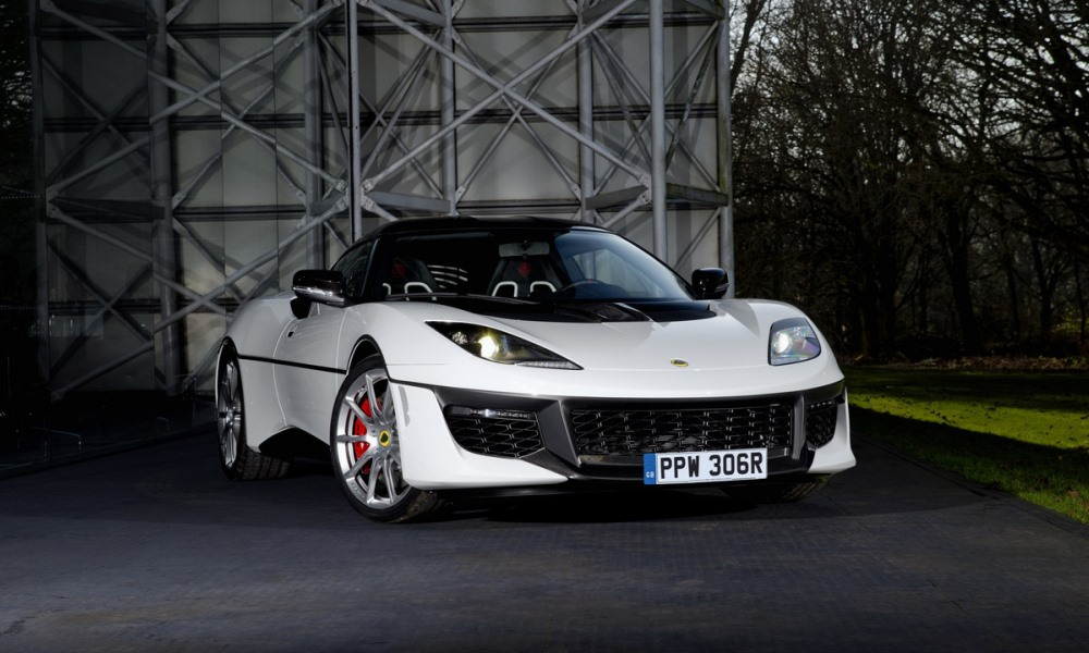 This Lotus Evora pays tribute to the Esprit from The Spy Who Loved Me.