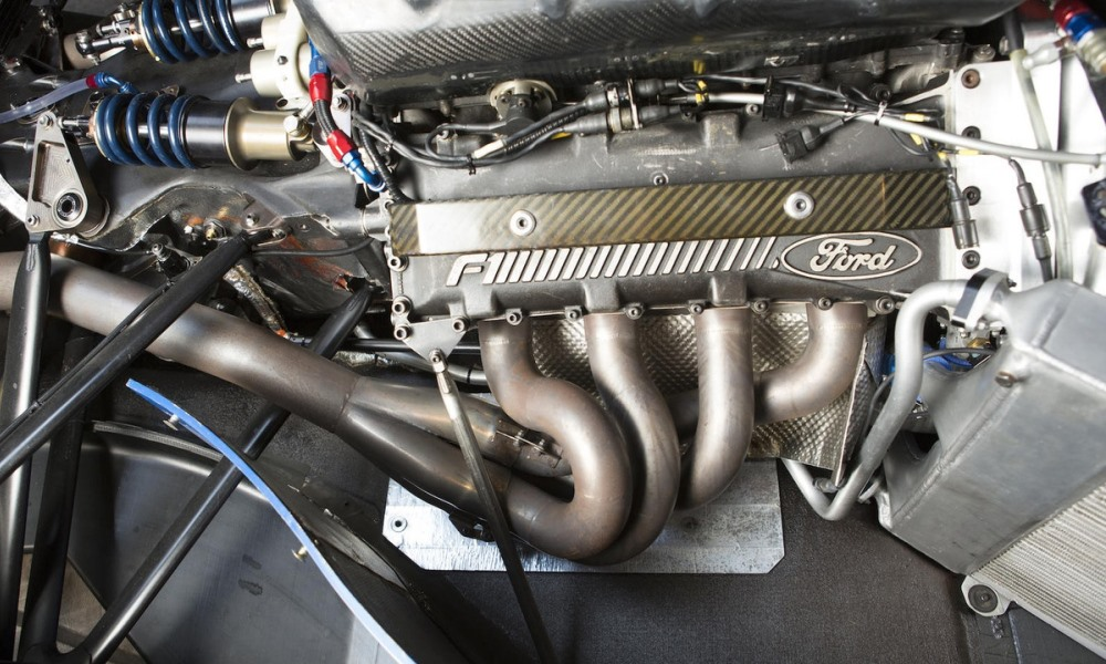 The 3,5-litre Cosworth V8 was good for 485 kW.
