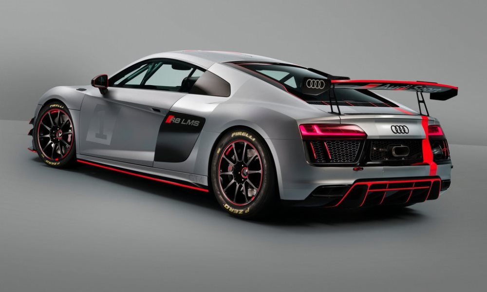 The naturally aspirated V10 has been detuned to GT4 specification.
