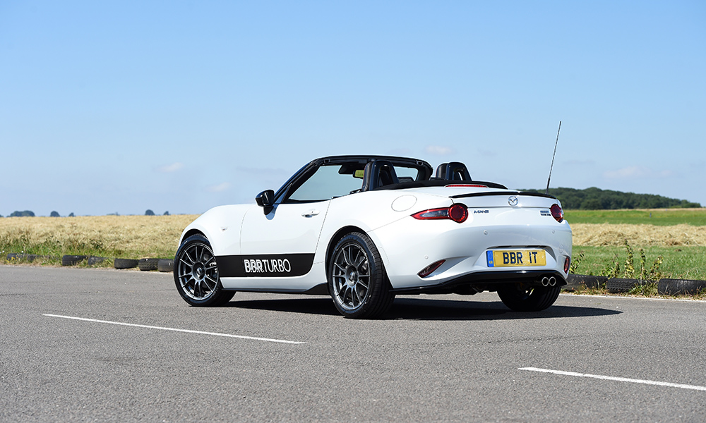 Other than BBR livery and aftermarket wheels, the exterior of this turbo MX-5 remains largely unchanged.