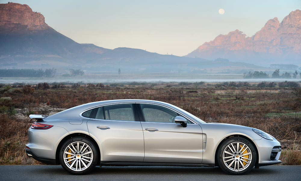 The Panamera now echoes the flyline roof silhouette of the 911.