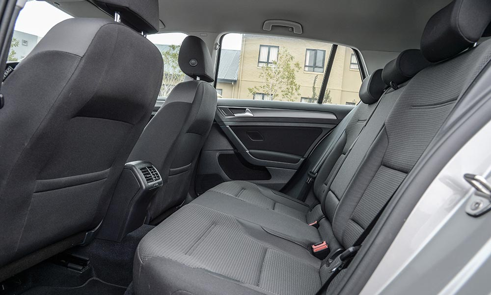 Comfortline features air-vents for rear passengers.