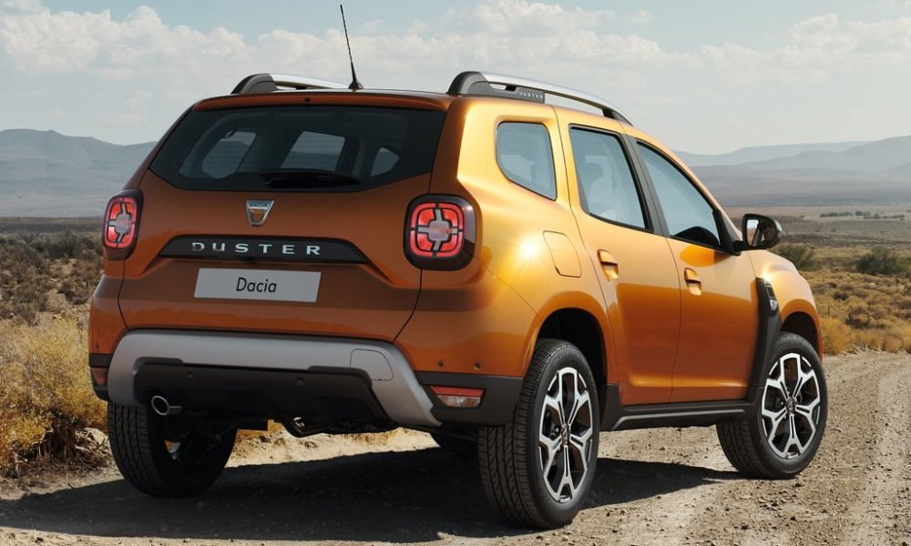 new renault duster revealed wearing dacia badge car magazine. Black Bedroom Furniture Sets. Home Design Ideas