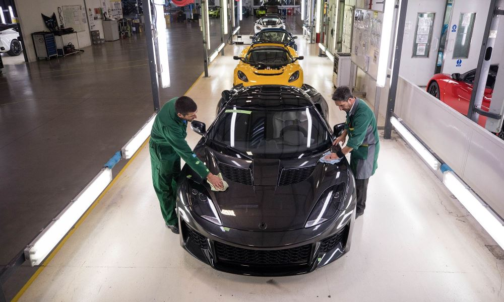 Lotus Evora production line