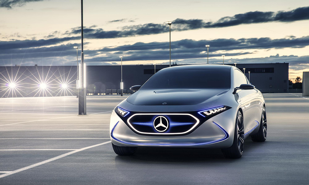 The concept introduces laser optic headlamps, while an LED matrix replaces the grille.