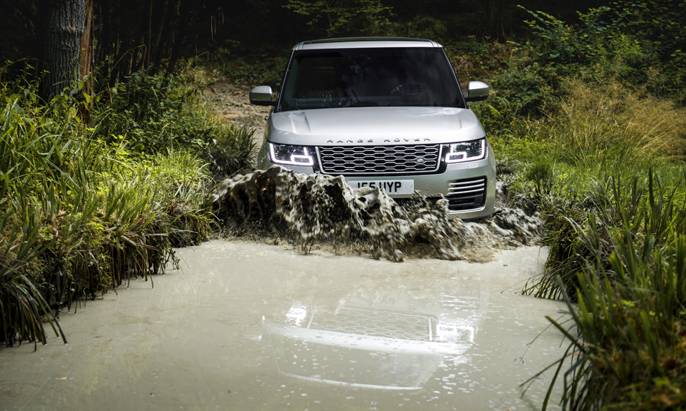 Range Rover says the off-road ability of the new PHEV derivative has not been compromised.