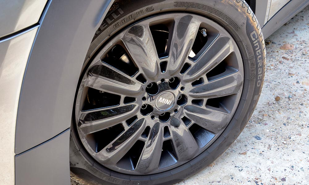 The 18-inch alloys and 50-profile tyres contribute to a comfortable ride.